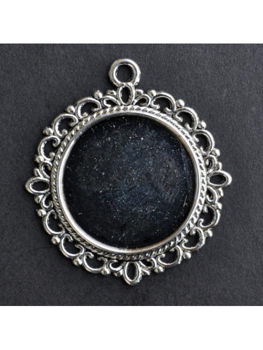 Pendant round vintage silver
