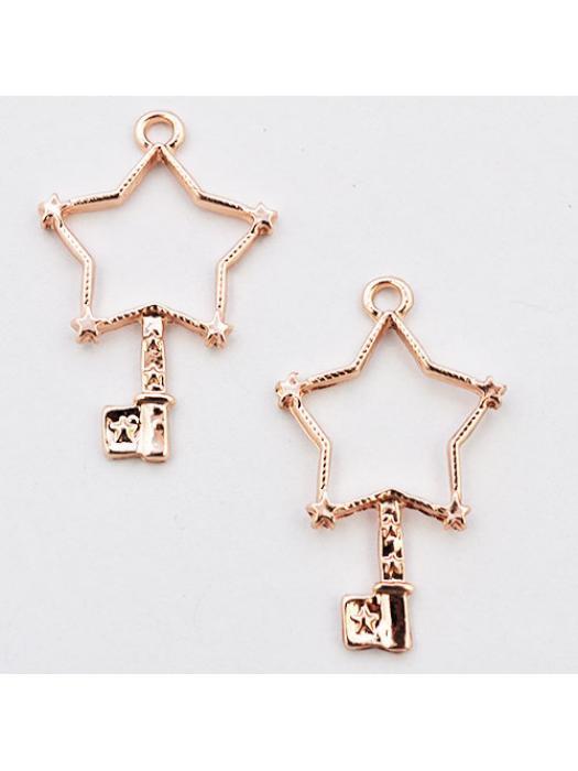 Pendant rose gold bezel key star